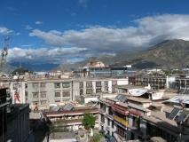 Вид с отеля в Лхасе