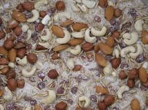 Орешки, сахар, рис